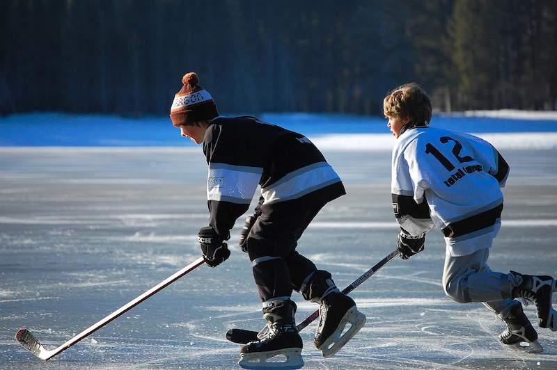 Ice-Skating-on-Bear-Creek-Pond